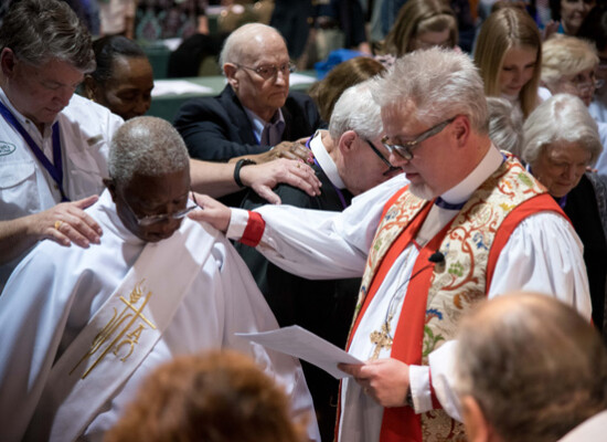Festival eucharist (11 of 15)